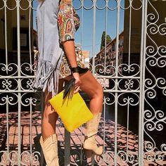 Clutch By @texastribu con @patriciamartingala  Nueva colección #2016  #gipsy #texastribu #tagstagram #spain #leather #bags #bolso #new #Homemade #clutch #blackstar #shop #shopping #moda #modafeminina #sol #embajador @devontes