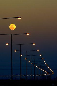 11 Streetlight moon ❤️