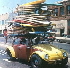 want to surf? go to fui surfar guesthouse! Vintage Surfing, Surf Vintage, Retro Surf, Surf Mar, Char A Voile, Wind Surf, Bikini Rouge, Surf City, Windsurfing