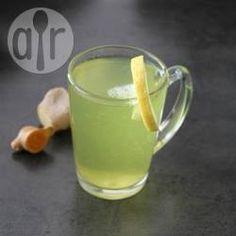 Ingwer Kurkuma Tee - Rezept: Ein selbst gemachter Gesundheitstee aus frischem Ingwer, Kurkuma und Zimt.@ de.allrecipes.com