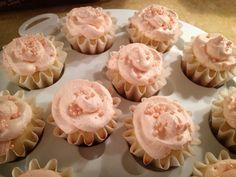 Pretty Birthday Cupcakes Runner Diet, Birthday Cupcakes, Pretty, Desserts, Food, Anniversary Cupcakes, Tailgate Desserts, Deserts, Essen
