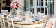 Rose Quartz and Serenity: How to Decorate with Pantone's Colour of the Year 2016