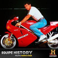 Ayrton Senna era um apaixonado por motos da Ducati. Antes de morrer, ele trabalhou com a marca numa edição especial da 916. Em homenagem ao piloto, a Ducati lançou este ano uma Panigale 1199 S Senna. Exclusiva para o mercado brasileiro, foram produzidas apenas 161 unidades - o mesmo número de GPs disputados por Senna na Formula 1.