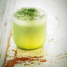 Switch that afternoon tea for a light matcha latte instead  Check out that recipe here:http://www.delicooks.com/recetas/bebidas/matcha-latte/ #matcha #matchapowder #drink #drinks #recipe #recipes #relaxation #relax #antioxidants #green #tea #matchagreentea #japanesematchapowder #foodie #Nomnom #morning #breakfast #afternoon #light #diet #healthyfood #health #fitness #nutrition #nutritionist #japan #japanese #kosher #vegetarian #foodphotography