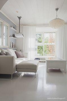 Ht Collection sohva. Scandinavian home. Ikea ribba, Vitra, Hay.
