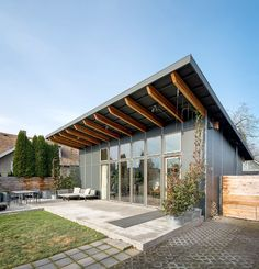 An Oregon couple is liberated by a house that is cheap to operate and small enough to vacuum in five minutes.