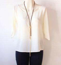 #blusa color #perla con #escote en #espalda y #manga 3/4