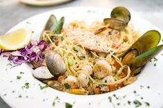 Ruben & Ozzy's Oyster Bar & Gril known for good seafood 241 E Tahquitz Canyon Way Res: 760-325-8800 11:30-11:30