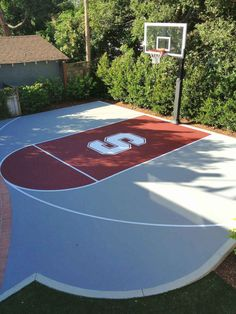 Mark has created a great Stanford half-court in his backyard complete with logo and Hercules Platinum basketball system. The amazing aerial photo gives a unique perspective on this California court perfect for the whole Cardinal family. Backyard Sports, Backyard Basketball, Basketball Systems, Basketball Design, Buy Basketball, Basketball Tickets, Basketball Backboard, Street Basketball, Basketball Goals