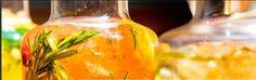 Bistros, Stuffed Peppers, Teller, Vegetables, Restaurants, Food, Food Dinners, Salt Shakers, Veggies