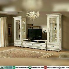 Este posibil ca imaginea să conţină: interior Bedroom Tv Cabinet, Tv In Bedroom, Classic Furniture, Home Furniture, Home Entrance Decor, Home Decor, Tv Wall Cabinets, Tv Wall Decor, Living Room Sofa Design