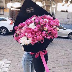 Points You Should Know Prior To Obtaining Bouquets Flowers 203 Big Bouquet Of Flowers, Boquette Flowers, Luxury Flowers, My Flower, Pretty Flowers, Flowers Garden, Flower Box Gift, Flower Boxes, Gift Bouquet