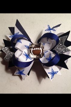 Hey, I found this really awesome Etsy listing at http://www.etsy.com/listing/162230315/5-dallas-cowboys-hair-bow