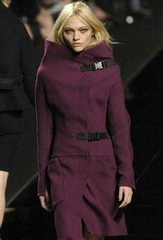 Luxury Brand Names, Sasha Pivovarova, Brand Name Clothing, International Style, Fashion News, Fashion Trends, Famous Brands, Style Guides, Runway
