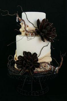 Top 19 Elegant Black Cake For Halloween Wedding – Easy Party Design Decor Project - DIY Craft (17)