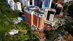 Fotografía Aérea hotel Dan Carton Medellín ubicado al costado de la avenida el Poblado