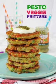 With just a few simple ingredients you can make these delicious Pesto Fritters, flavoured with basil pesto and packed with frozen veggies! Easy Meals For Kids, Healthy Family Meals, Healthy Snacks For Kids, Kids Meals, Red Cabbage With Apples, Vegetable Recipes For Kids, Veggie Meals, Veggie Fritters, Warm Potato Salads