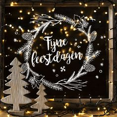 EHL – A3 raamtekening sjabloon – Kerst 01 Merry Christmas, Christmas In Heaven, Christmas Quotes, Christmas Home, Xmas, Christmas Window Decorations, Christmas Drawing, Holiday Greeting Cards, Window Art