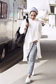 Hijab Fashion 2016/2017: asia akf white style Asia Akf street style looks www.justtrendygir