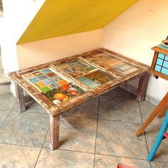 Mesa feita com janel
