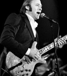Stephen Stills Guitar Guy, Crosby Stills & Nash, Stephen Stills, Neil Young, Blue Band, Be Still, Guitars, Blues, Garage