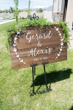 Wedding Sign, Custom Wedding Sign, Custom Wedding Date and Names, Rustic Wood Wedding Sign by OAKYdesigns autumn wedding colors / wedding in fall / fall wedding color ideas / fall wedding party / april wedding ideas Trendy Wedding, Diy Wedding, Dream Wedding, Wedding Day, Autumn Wedding, Wedding Favors, Wedding Tips, Elegant Wedding, Jazz Wedding