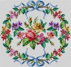 Floral Wreath Susan Treglown mesh: 13:1 dimension: 11.5 x 11