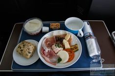 British Airways Club Europe Breakfast  - Check more at https://www.miles-around.de/trip-reports/business-class/british-airways-long-haul-business-class-airbus-a321/,  #A321 #Airbus #BAGalleriesFirst #BritishAirways #BusinessClass #ClubEurope #International #LondonHeathrow #Lounge #OSL #Oslo