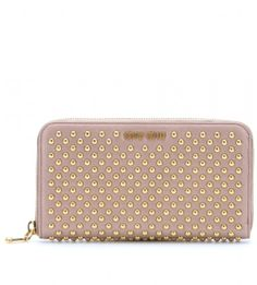 3a15469d8ec Miu Miu Studded Pink Wallet it was a gift but it s authentic I have the  authenticity card. Been used gently. Miu Miu Bags Wallets Dieses Produkt  und weitere ...