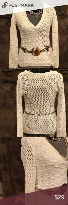 Sweater Like brand new cream long-sleeved sweater from Buckle Daytrip Sweaters V-Necks