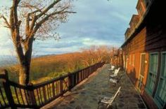 Find a variety of hotels and accommodations at Shenandoah National Park and nearby in the Shenandoah Valley, including lodges, cabins and campgrounds