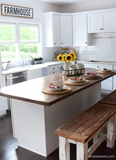 Farmhouse Kitchen Sneak Peek | simplykierste.com