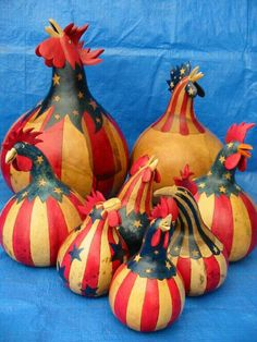 Image detail for -. for this activity are jeannine thames ky and susan byra ms Patriotic roosters ** Decorative Gourds, Hand Painted Gourds, Craft Projects, Projects To Try, Gourds Birdhouse, Chicken Art, Chickens And Roosters, 4th Of July Decorations, Gourd Art