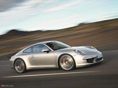 La Porsche 911 a été présentée pour la première fois au salon IAA de Francfort en 1963 sous le nom de Porsche 901.