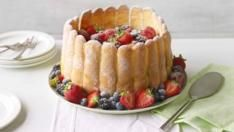 Series 6 Masterclass BBC - Food Recipes: Passion fruit and lime Charlotte russe Paul Hollywood, Food Colouring Paste, Far Breton, Springform Cake Tin, Great British Bake Off, Mary Berry, Cake Tins, The Best, Sweet Tooth