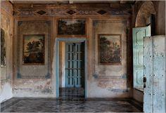 interiors-blue-fresco-wallpaper-cuban-design-very-old-peeling-elegant-decay-preservation-decor
