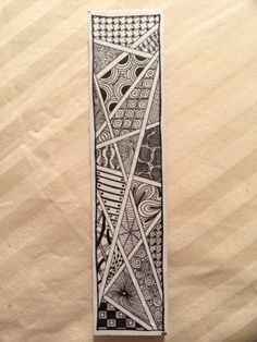 Zentangle bookmark I did for my dad. Doodle Art Drawing, Zentangle Drawings, Mandala Drawing, Zentangle Patterns, Creative Bookmarks, Bookmarks Kids, Mandala Doodle, Mandala Art, Marker Art