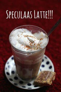 Geïnspireerd door Starbucks, maakte ik een zogeheten Gingerbread Latte of in mooi Nederlands Speculaas Latte. Een heerlijke spicy siroop die koffie zoet en de smaak van speculaas heeft. Een heerlij…