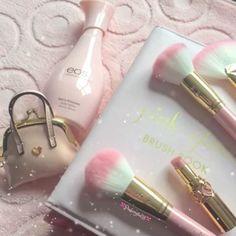 IG: pinkcrystal18 http://www.qunel.com/  fashion street style beauty makeup hair men style womenswear shoes jacket