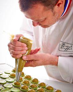 Pascal Caffet MOF des MOF Pâtissiers chocolatiers