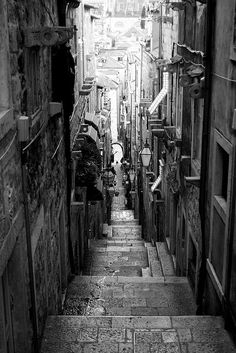 narrow street in Dubrovnik I fell in love with this city!