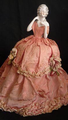 Antique Dolls, Vintage Dolls, Vintage Costumes, Vintage Outfits, 18th Century Clothing, Doll Makeup, Half Dolls, Renaissance Fashion, Bisque Doll