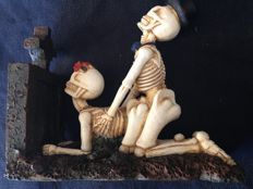 Fantasy art; Skeleton couple in doggy-style - 1990