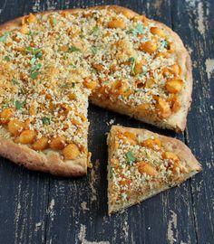 Chipotle Mac and Cheese Pizza with Kamut Wheat Cashew Crust. vegan recipe - Vegan Richa