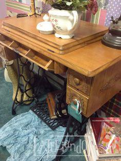 Ateliando - Customização de móveis antigos: Máquina de Costura Antiga