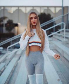 Portscavier Feature Click by - Model: Usᴇ ᴏᴜʀ ᴛᴀɢ ᴀɴᴅ ɢᴇᴛ ғᴇᴀᴛᴜʀᴇᴅ! Star Fashion, Girl Fashion, Sexy Outfits, Fashion Outfits, Cute Workout Outfits, Girl Sday, Girls Jeans, Sexy Hot Girls, Sexy Women