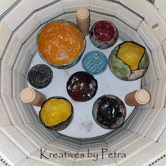 einen Blick in meinen Brennofen ;-))  bunte Fliesenstücke für mein Mosaik in meiner Werkstatt kreativesbypetra #Keramik #ceramik #brennofen #Glasur #glasurbrand #glaze #ton #töpfern #töpferei #plattentechnik #windlichter #schmuckschalen #pflanzschalen #botz Petra, Breakfast, Mandalas, Mosaics, Work Shop Garage, Clay, Morning Coffee
