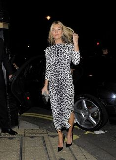 Kate Moss Photos Photos - Kate Moss Out and About in London - Zimbio