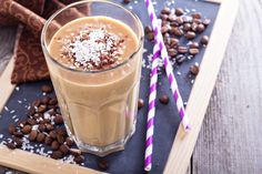 High Protein Breakfast For Kids - Protein Smoothie Keto Shakes, Protein Shakes, High Protein Breakfast, Breakfast For Kids, Coffee Smoothie Recipes, Coffee Milkshake, Shake Recipes, How To Cook Quinoa, Fruit Smoothies