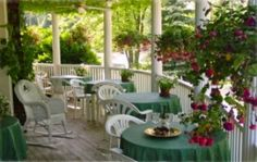 A few blocks from Lake Michigan, outdoor fun meets romance and relaxation on the five lovely acres of Martha's Vineyard B, South Haven. Five elegant main-house rooms, all with private baths and fireplaces. Six cottage-style rooms in the guesthouse, all with fireplaces and private baths; five rooms have whirlpool tubs.